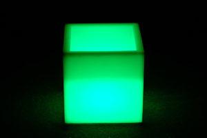 12304-Кашпо-куб PIAZZA 310х310х310мм RGBLED Аккумулятор 12v