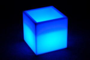 12404-Кашпо-куб PIAZZA 400х400х420мм RGBLED Аккумулятор 12v