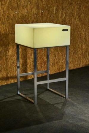 25404-Барный стол Sutton 600х600х1100мм RGBLED Аккумулятор 12v